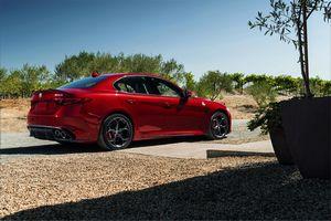 Alfa romeo официально представила 510-сильный седан giulia