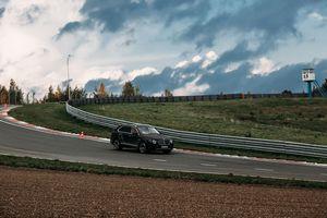 Bentley bentayga — тест-драйв на треке