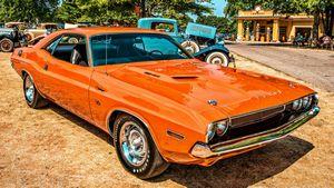 Dodge challenger srt8 - оранжевая ворона