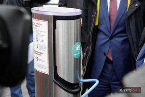 Год 2011: развитие международных сетей зарядных станций для электромобилей