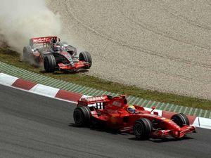 Гран-при японии: в пятничных тренировках доминировали баттон и уэббер