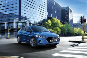 Hyundai представила седан elantra нового поколения