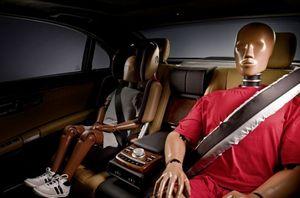 И задние пассажиры будут защищены подушками безопасности