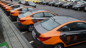 Эксперты: в столице необходимо развивать прокат автомобилей