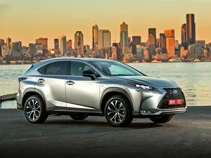 Lexus объявил рублевые цены на седан is с турбодвигателем