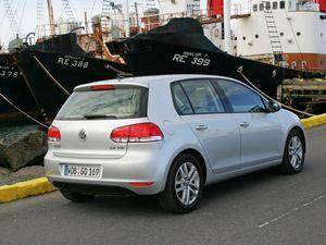 Марка volkswagen предлагает новый двигатель и новое оборудование для модели golf
