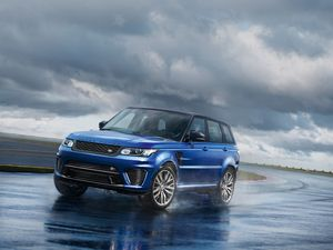 Мировая премьера range rover sport svr состоится в москве