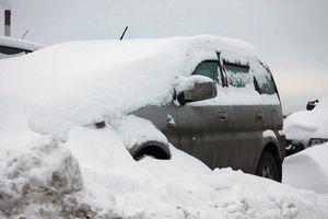 Очистка автомобиля от снега и льда