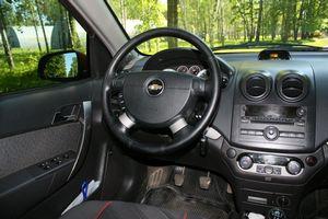 Отзыв chevrolet aveo (шевроле авео), двигатель 1,4-литра, 2006 год, седан