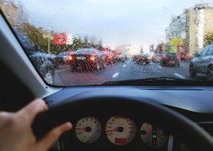 Почему потеют стёкла в машине и что с этим делать