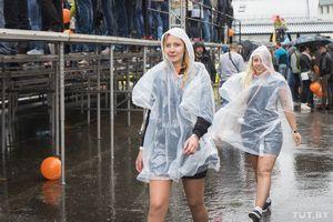 Полуголые девушки, быстрые машины, дождь. как прошел минский этап чемпионата по дрифтингу