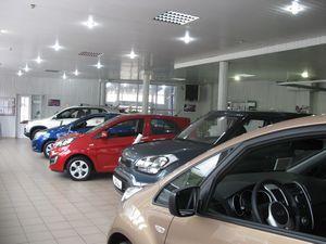 Посещение автосалона: выбор и покупка машины