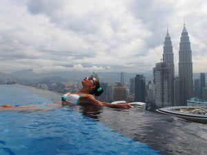 Вид на миллион долларов!открытый бассейн на 51 этаже и виды на башни петронас и менару!