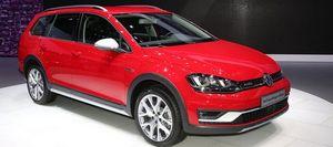 Volkswagen golf alltrack 2017 представили в нью-йорке